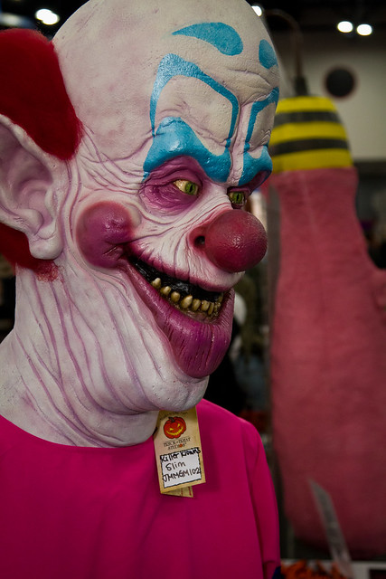 Killer Klowns f... Killer Clown From Outer Space Costume