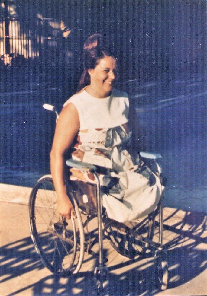 Vintage sex at the roller rink - 4 2