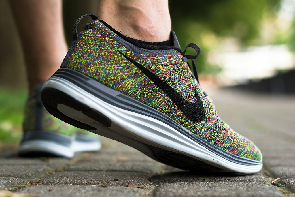 nike flyknit one multicolor