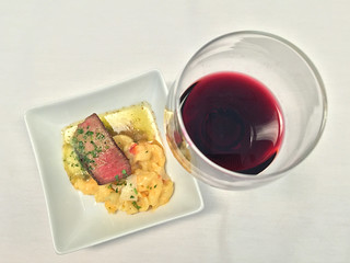 Beef Filet, Lobster Mac & Cheese (domestic 1st class)