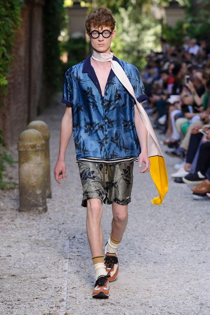 SS16 Milan Andrea Pompilio021_Jonas Thorsen(fashionising.com)