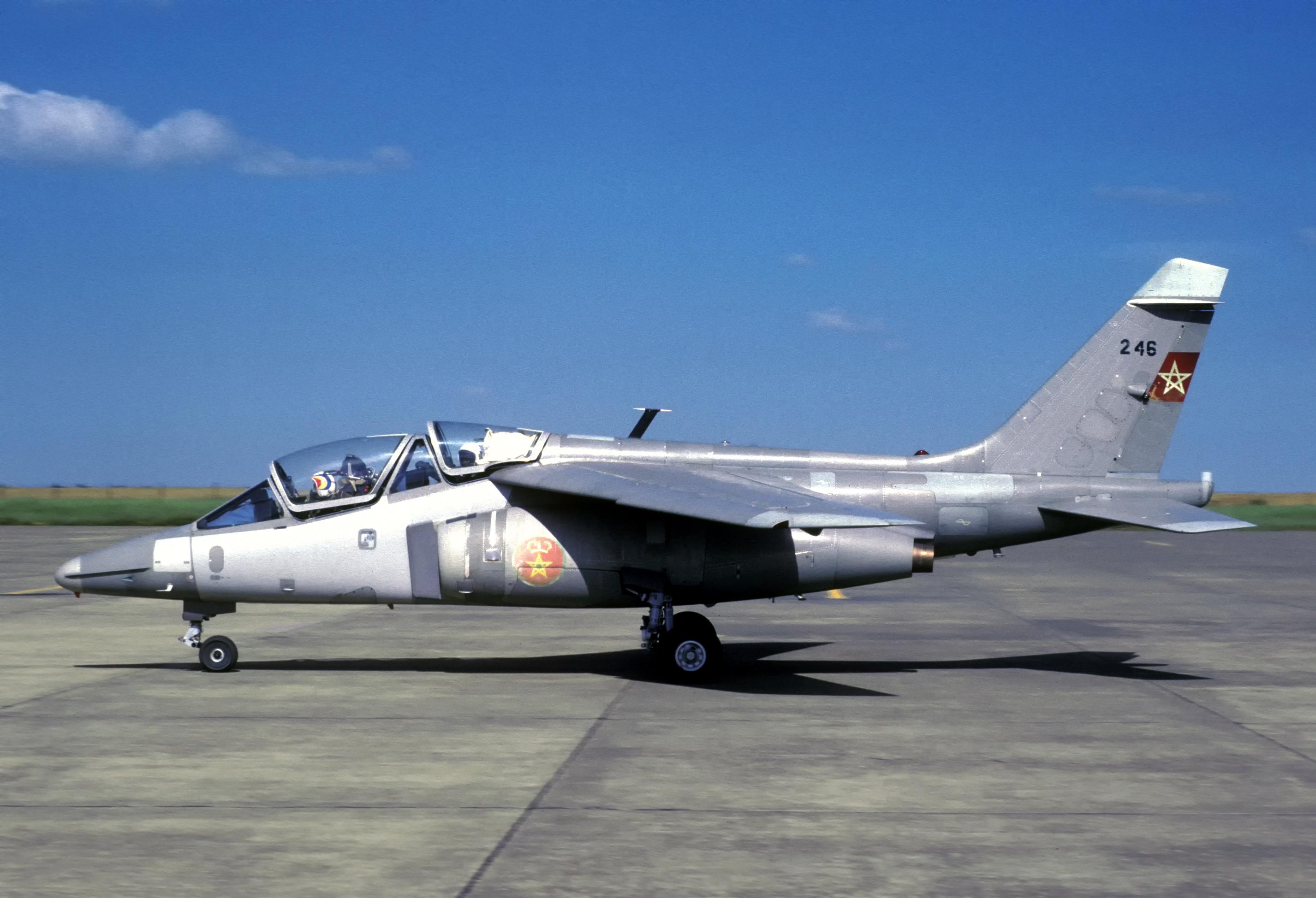 FRA: Photos avions d'entrainement et anti insurrection - Page 9 33385911275_521c099413_o