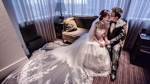 should you rent wedding dress