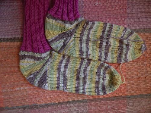 носки вместе лежат