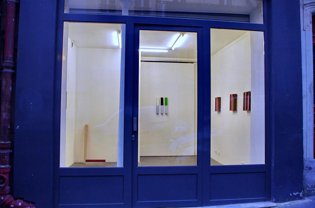 paris rue jouye rouve 1 une galerie d 39 art contemporain. Black Bedroom Furniture Sets. Home Design Ideas