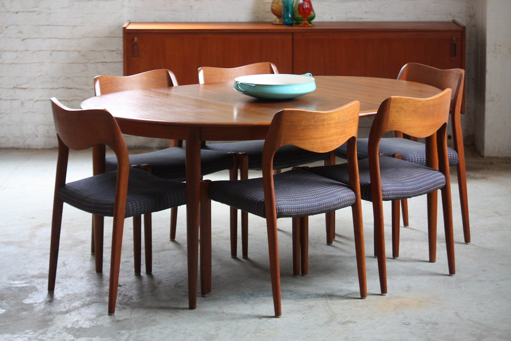 Capable Danish Mid Century Modern Skovmand Andersen Expand