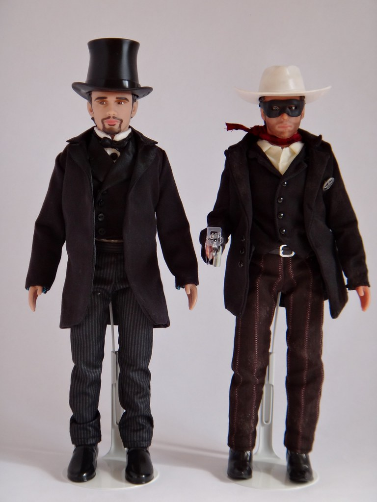 8659899072 together with Oz The Great And Powerful Trailer Five Best Scenes moreover 290935852942 moreover 8474546379 furthermore Good Or Wicked Disneys Oz The Great And Powerful Inspired Costumes And Gifts. on oscar diggs doll oz