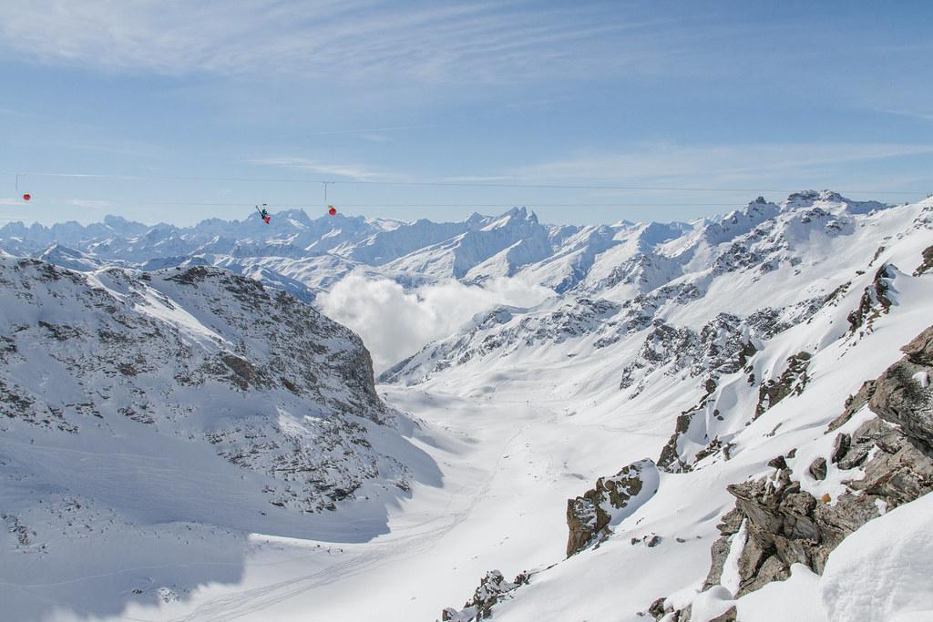 Tyrolienne c cattin ot val thorens 015 office de tourisme de val thorens flickr - Office de tourisme val thorens ...