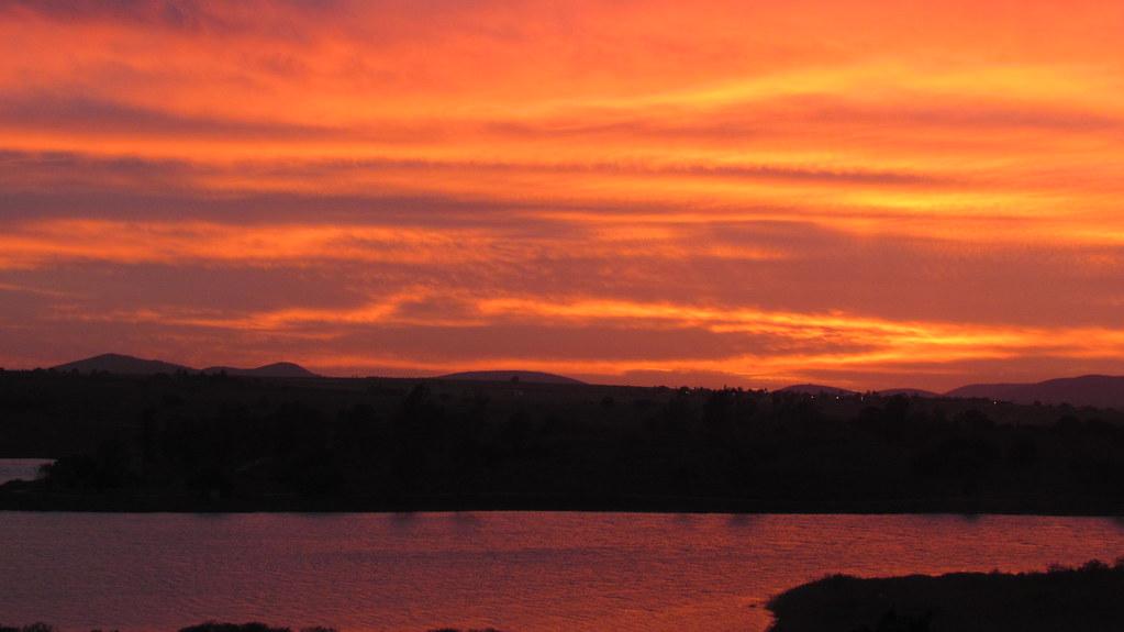 Era Um Fim De Tarde De Sábado: O Céu Em Chamas, Fim De Tarde Surpreendente... Sunset