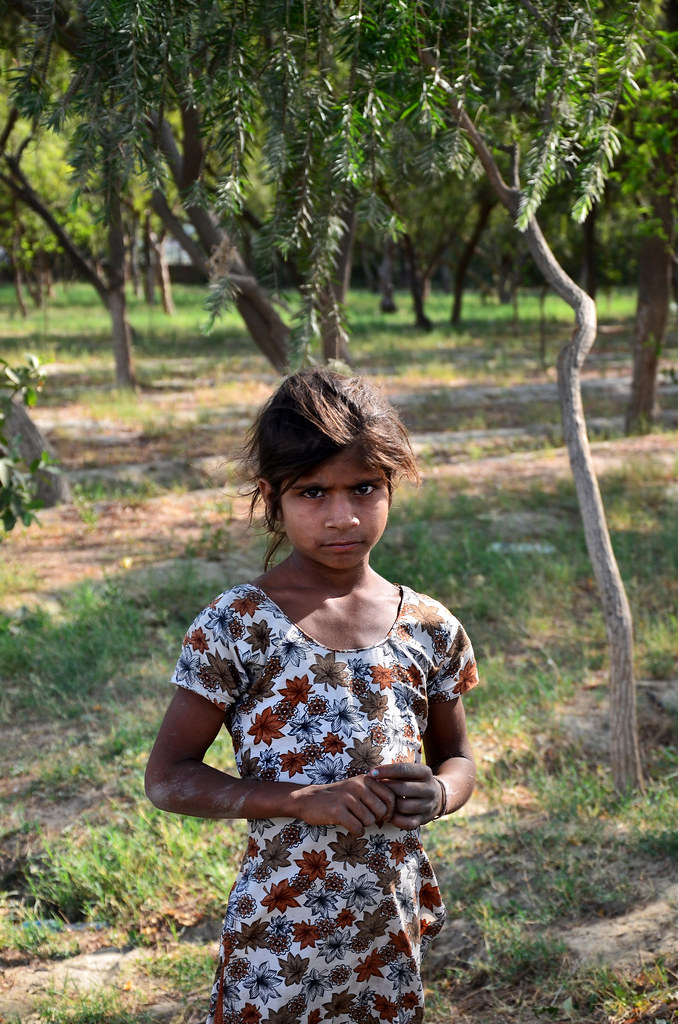 Young Indian Girl  This Young Girl Was Around The Garden -3325