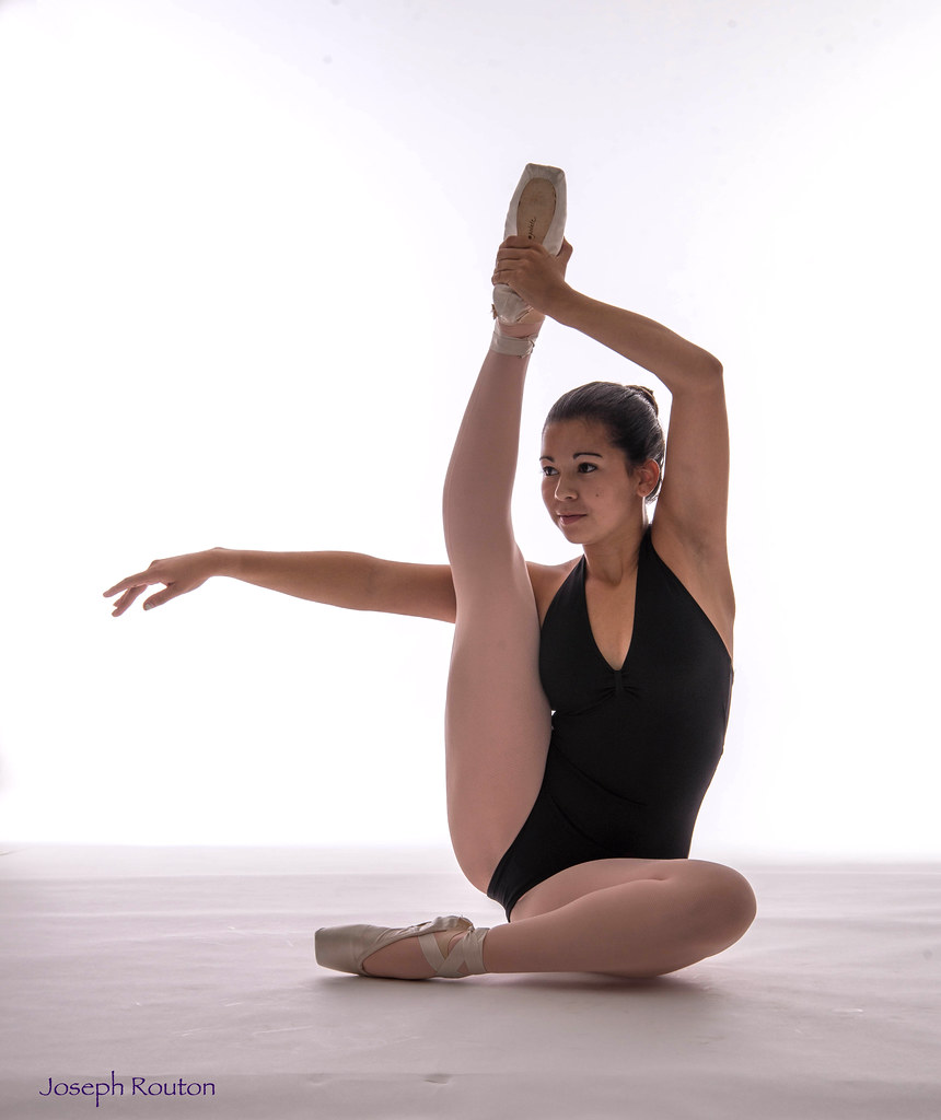 Ballerina stretching   Joe Routon   Flickr
