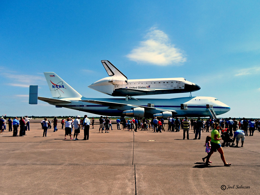 SAM_0443 edit | Space Shuttle Endeavour Piggyback Ride ...