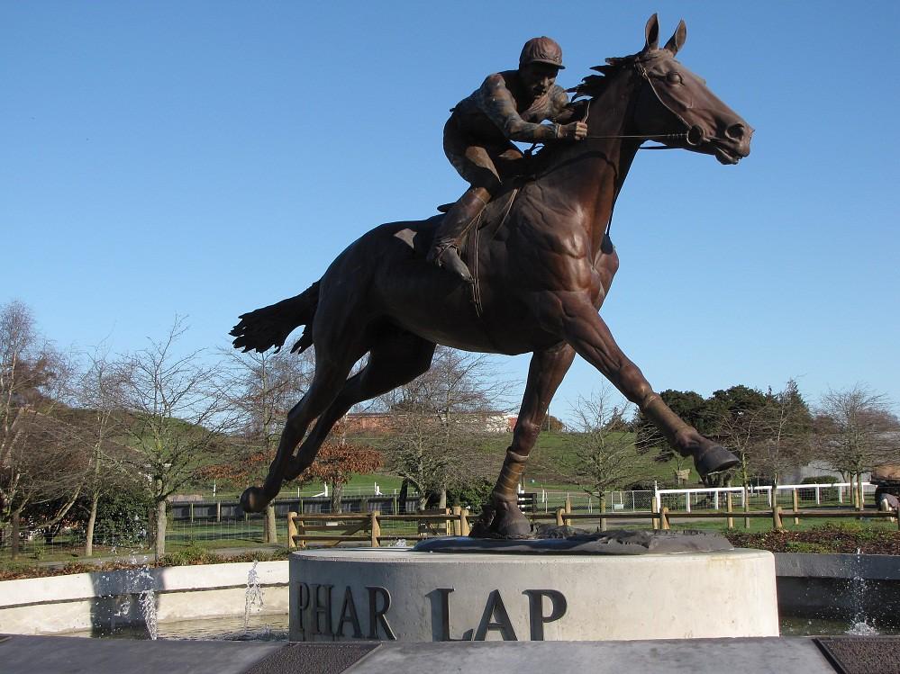 Phar-Lap Statue, Washdyke, Timaru