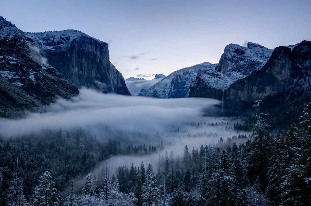 Tunnel View, Yosemite, on a snowy morning