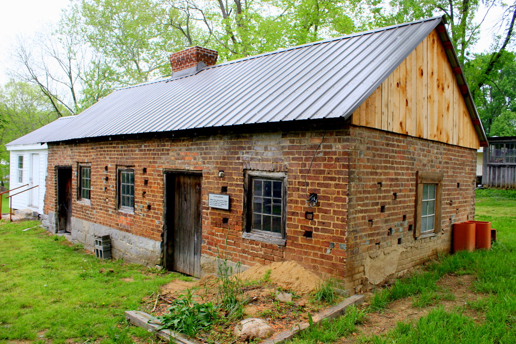 Slave Quarters Blountville Tn Behind The Historic