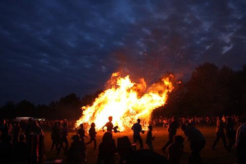 Dance around the fire VIII