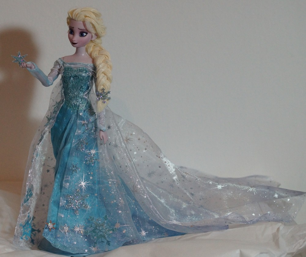 elsa barbie video