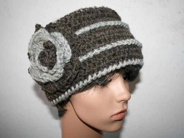 bonnet toque au crochet grosse fleur couleurs maquis et gris flickr photo sharing. Black Bedroom Furniture Sets. Home Design Ideas