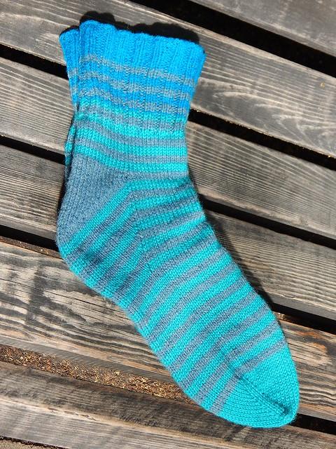 полосатые носки от мыска с пяткой флигля, описание вязания и пошаговые фотографии | ХорошоГромко.ру