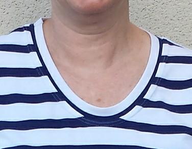 neckband detail