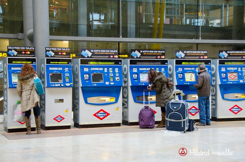 sair do aeroporto de madri de metrô