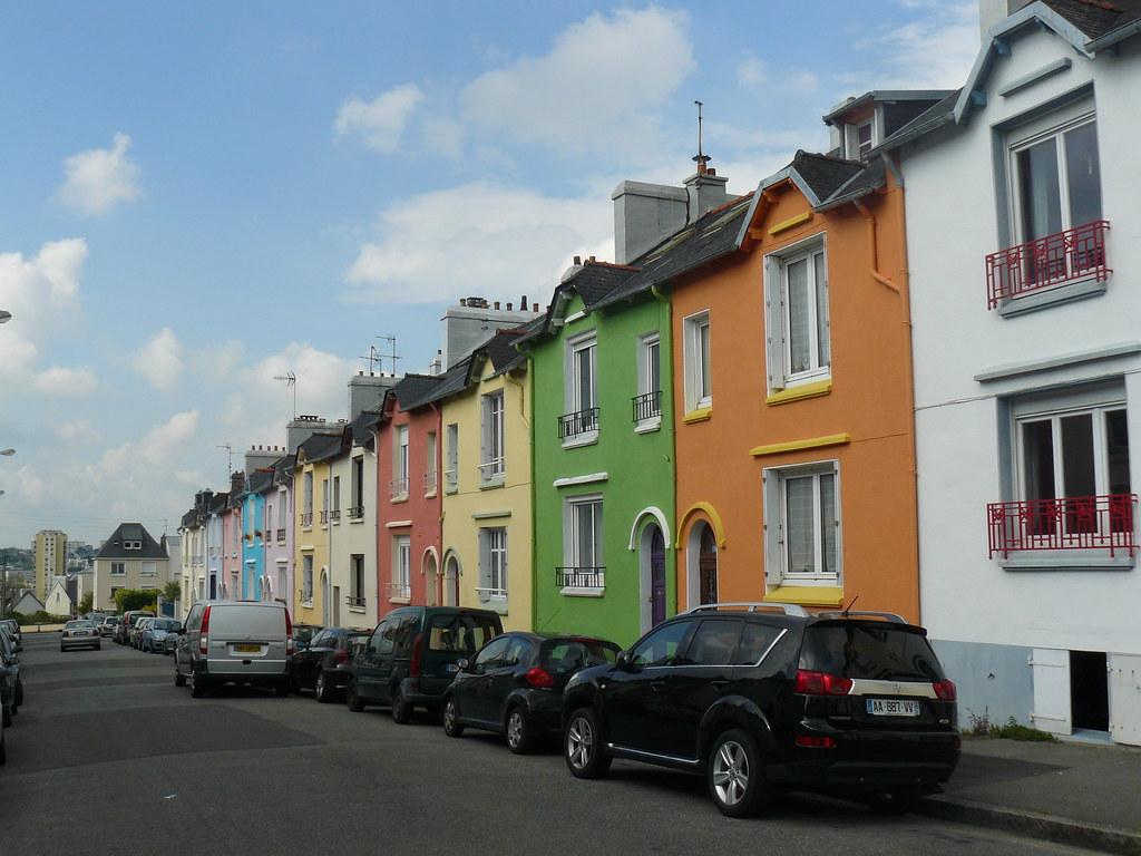 Maisons de ville aux fa ades color es rue f lix le dantec for Aux maisons maison les chaources