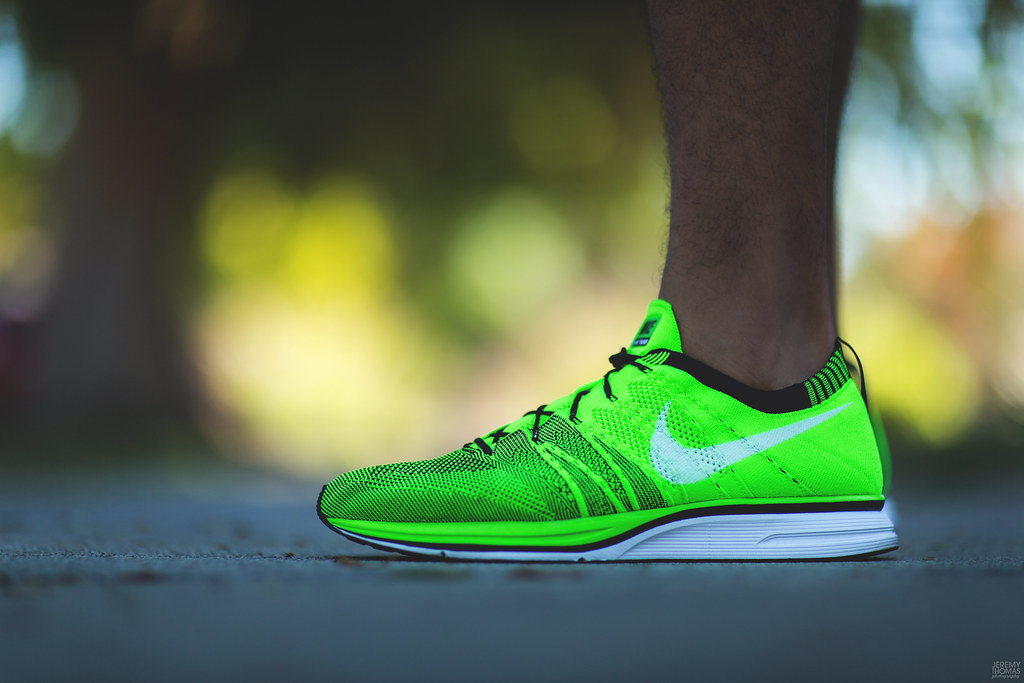 nike flyknit trainer electric green