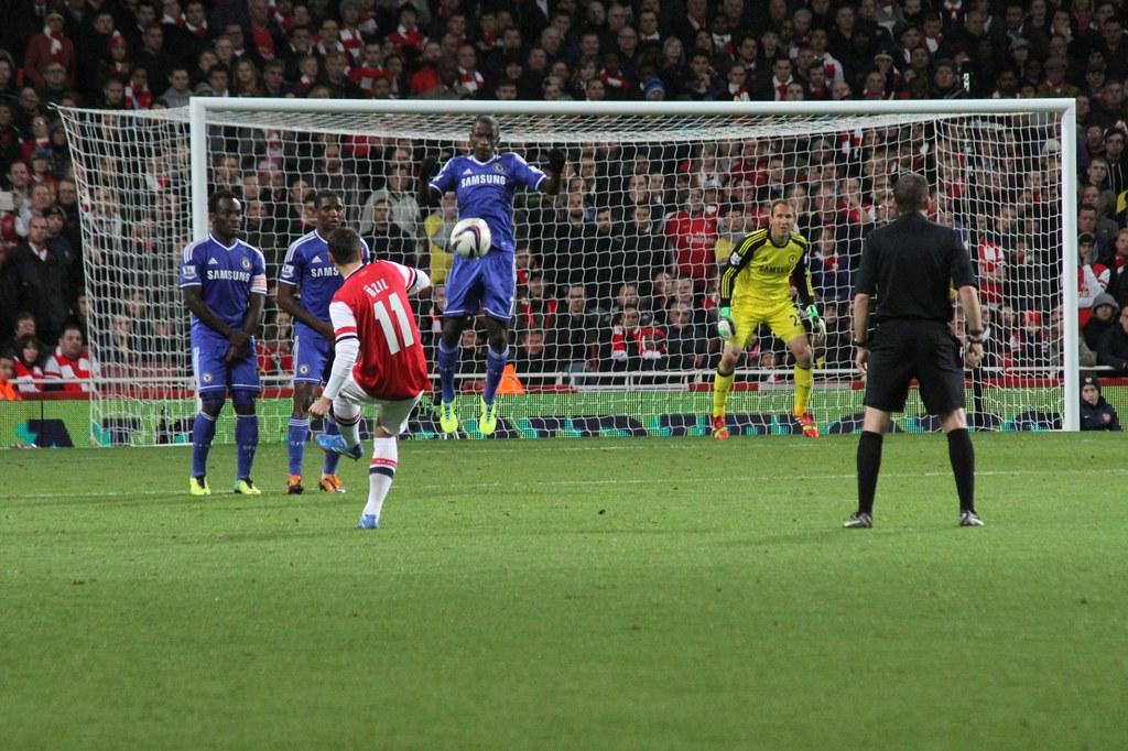 Mesut �zil's free kick | Flickr - Photo Sharing!