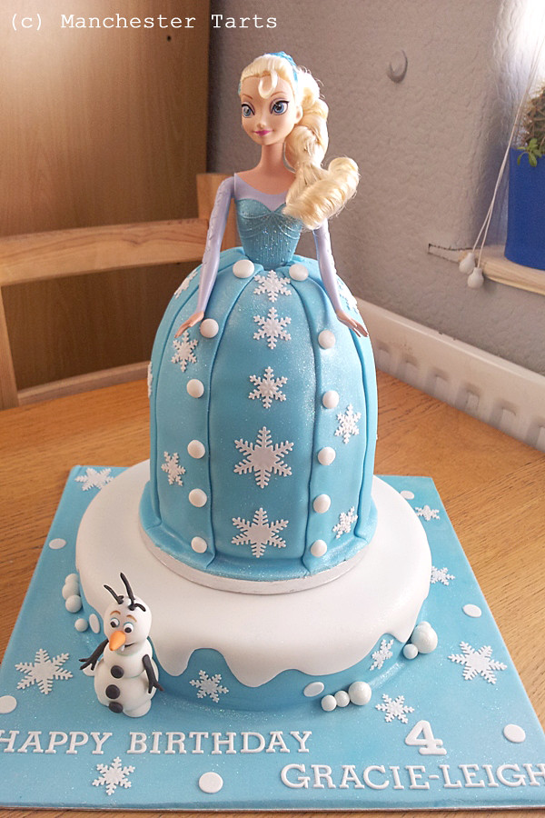 Celebration Cake: Elsa and Olaf from Frozen | www.manchester ...