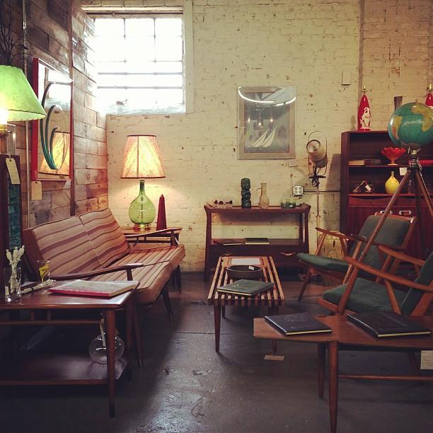 mid century furniture paris on ponce le maison rouge. Black Bedroom Furniture Sets. Home Design Ideas