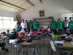 Foto: Niños beneficiados Buena Energía para tu Escuela