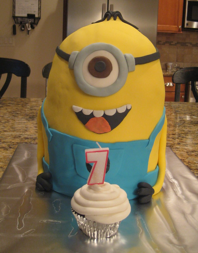 Admirable Minion Cake My Sons 7Th Birthday Cake Aimee B Flickr Funny Birthday Cards Online Inifofree Goldxyz
