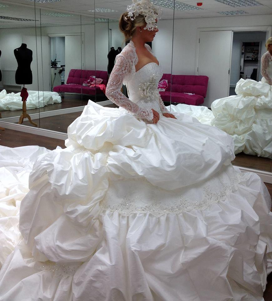Ugly Bridal Gown: Gypsy Wedding Dress Puffy