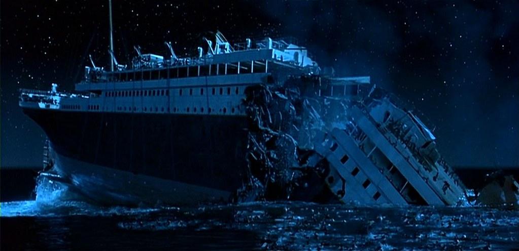 Inside The Titanic Before It Sank RMS Titanic sinking | ...