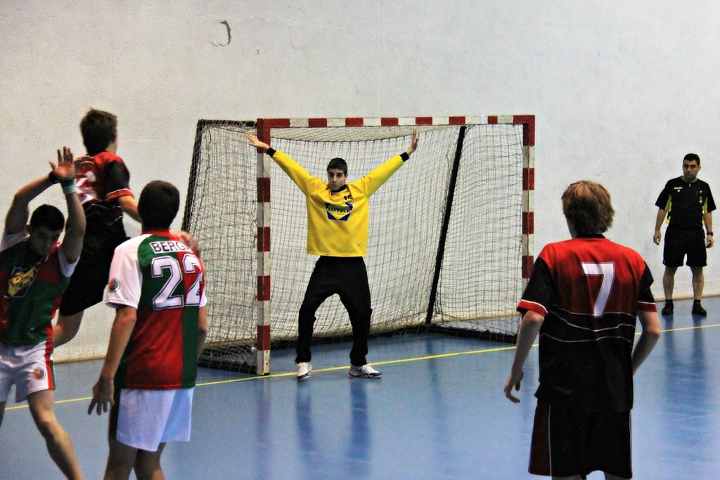 Handbol la salle bonanova b vs handbol berga juvenil for Piscina la salle bonanova