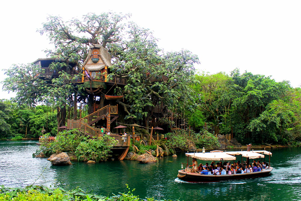 Tarzan 39 s treehouse and jungle cruise river taken on may for Jungle furniture white river
