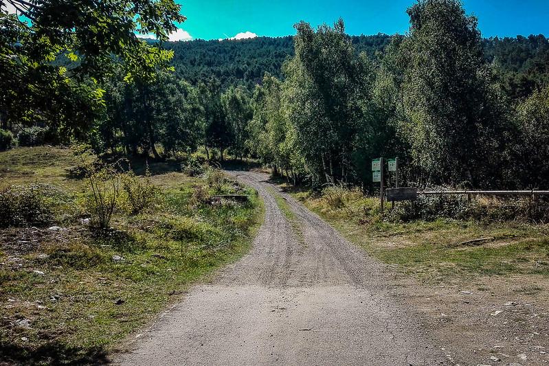 Inicio del camino al Bosc de Virós