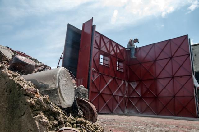 Casas hechas con basura ecol gicas baratas y en tiempo r - Construccion de casas baratas ...