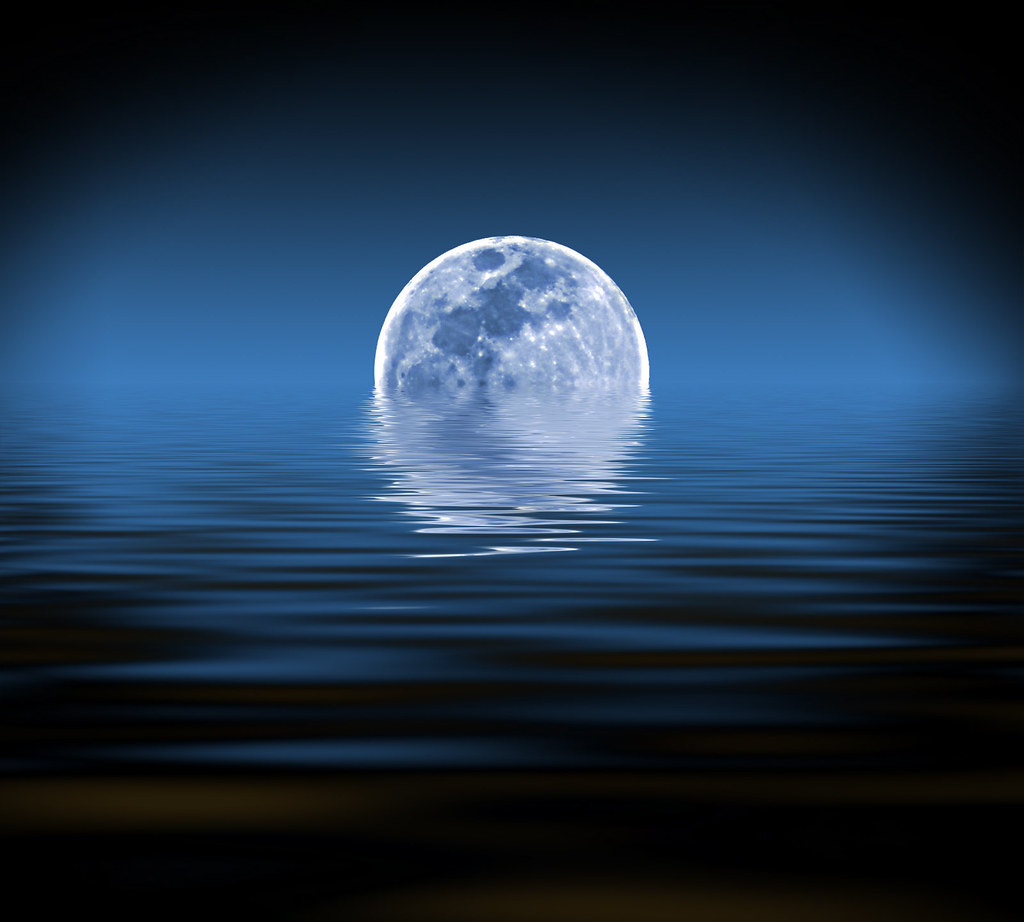 Blue Moon Sinking | The Moon shot is one of mine. What is