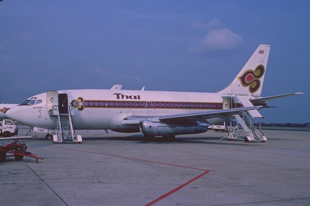 Thai Airways Boeing 73...