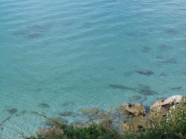 Así de clara es el agua de las Islas Cíes