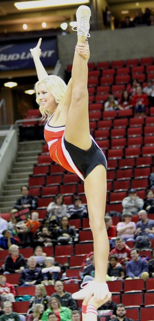 Utah cheerleaders | Pac 12 Tournament | MIKE | Flickr