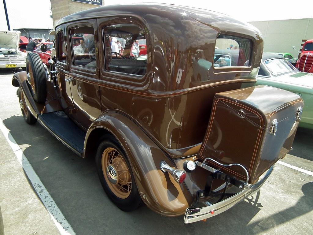 1934 Ford V8 Deluxe Fordor sedan | 1934 Ford V8 Deluxe Fordo… | Flickr