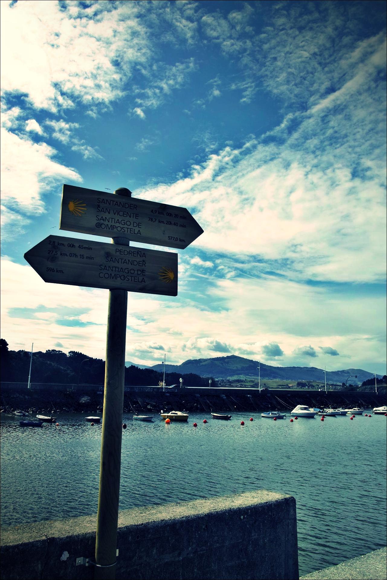 산티아고 이정표-'카미노 데 산티아고 북쪽길. 궤메스에서 산탄데르. (Camino del Norte - Güemes to Santander)'