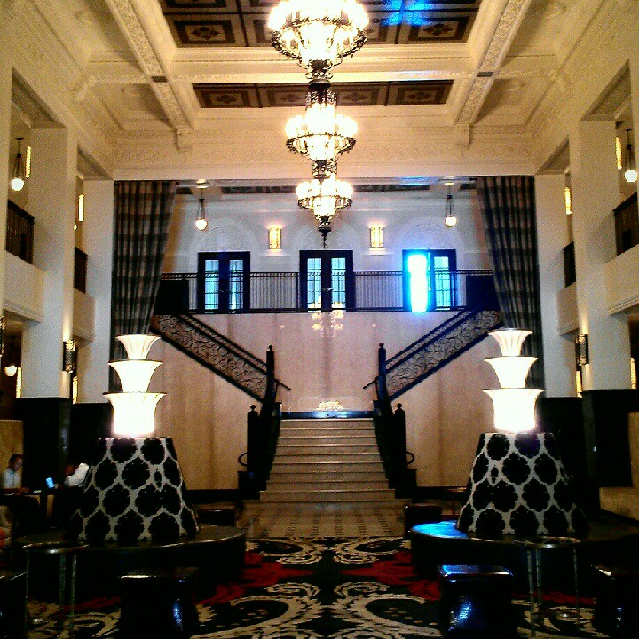 Luxury Hotels In Scarborough: Historic Hotel In Downtown Tulsa
