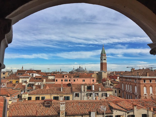 Tejados de Venecia desde el Palacio Contarini del Bovolo