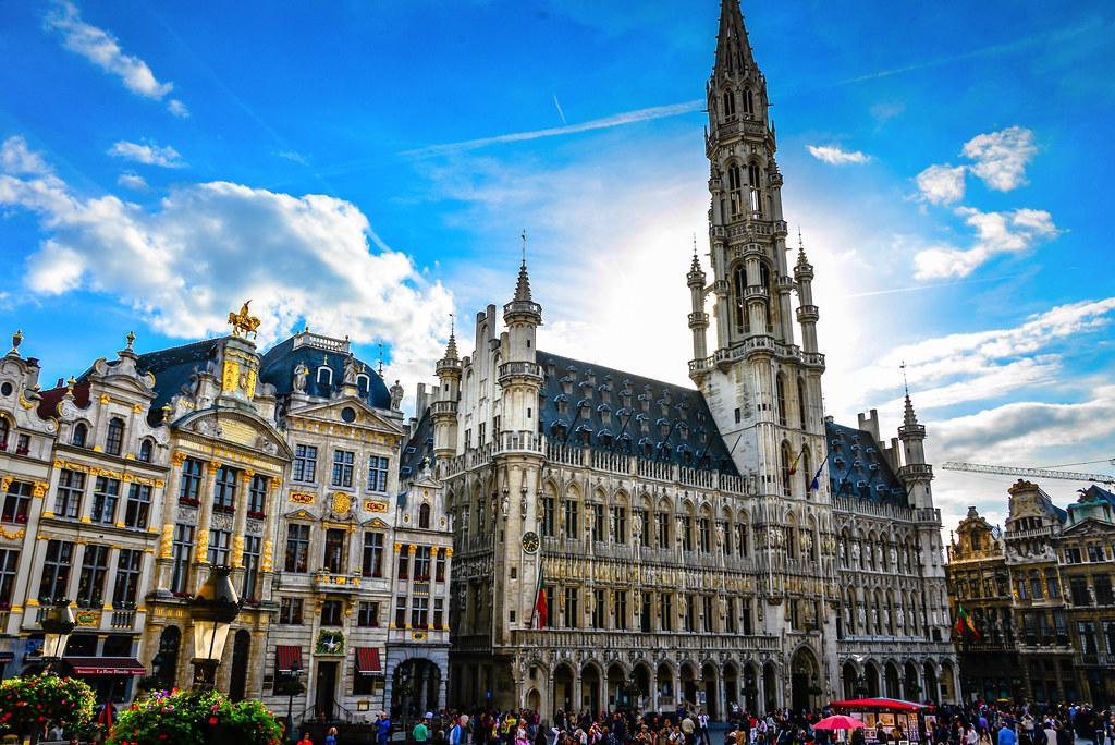H tel de ville at grand place brussels belgium h tel for Brussels piscine