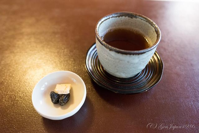 茶寮 宝泉 黒豆とほうじ茶