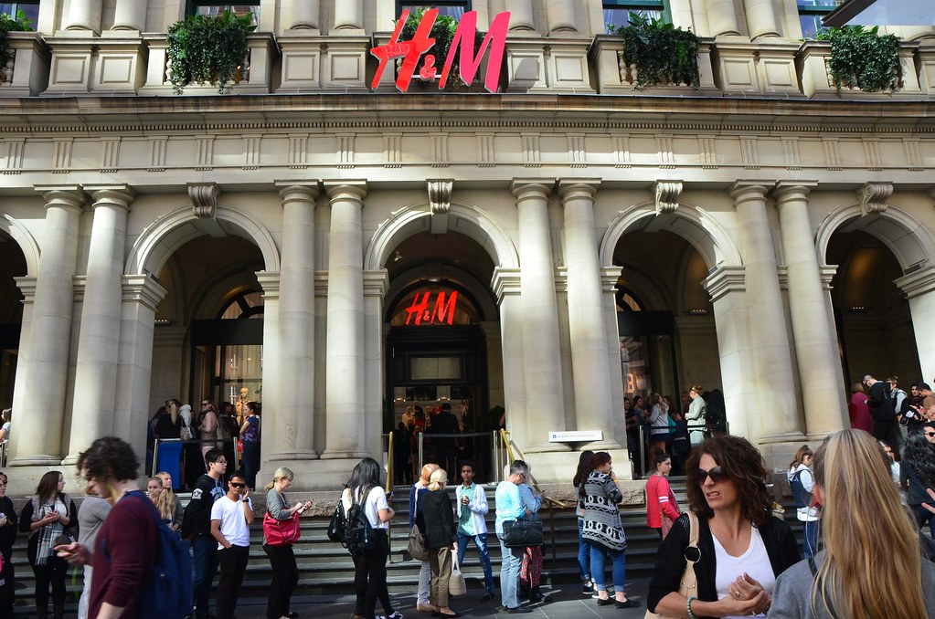 H&M opening in Melbourne – the GPO building And what an entrance H&M is going to make. They are taking over the whole of the GPO building in our busy Burke Street Mall!