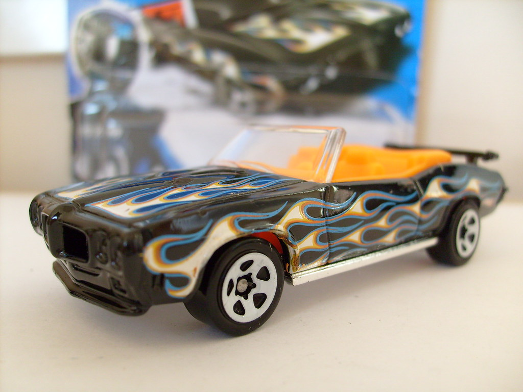 Can not hot wheels 67 pontiac gto convertible can not